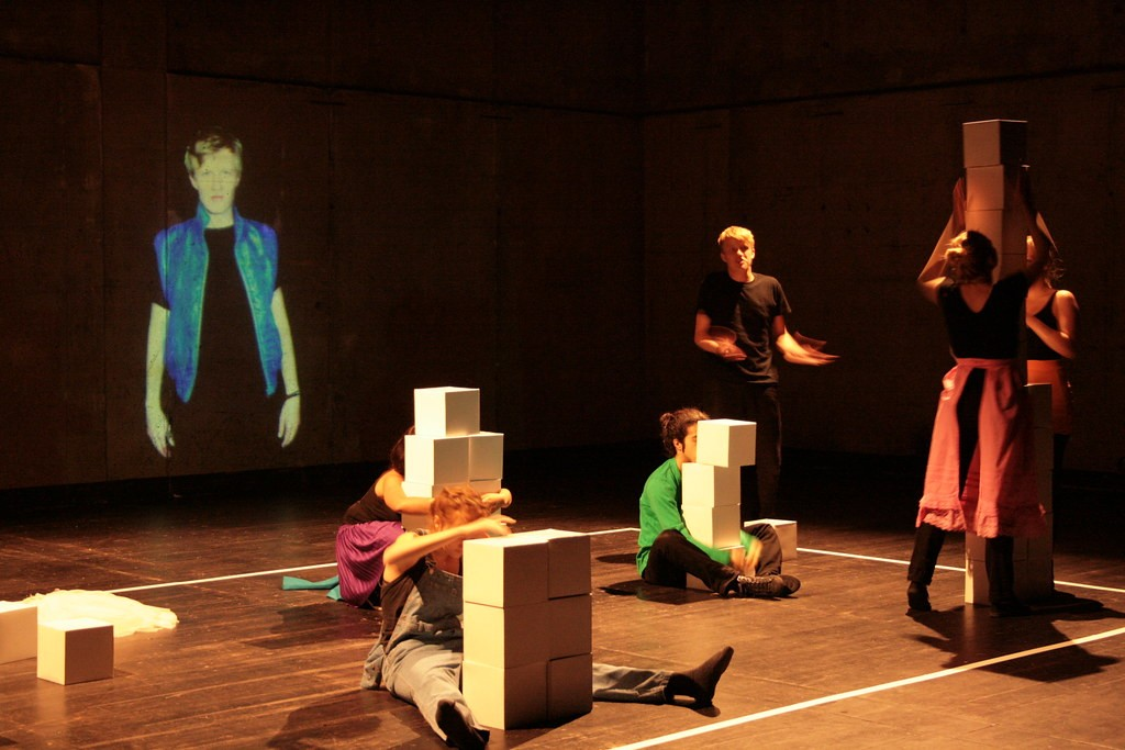 Play on Stage: Theater